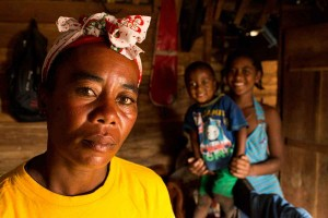health worker woman child madagascar maternal health